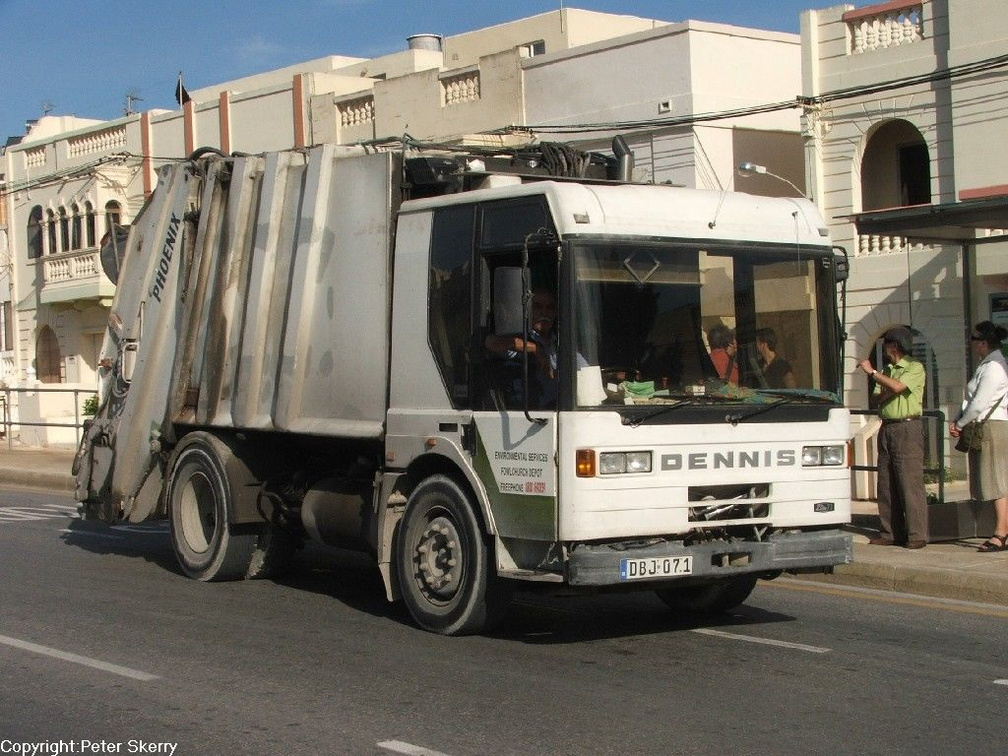 DBJ071  1995 Dennis Elite T1-Phoenix Refuse Collector.