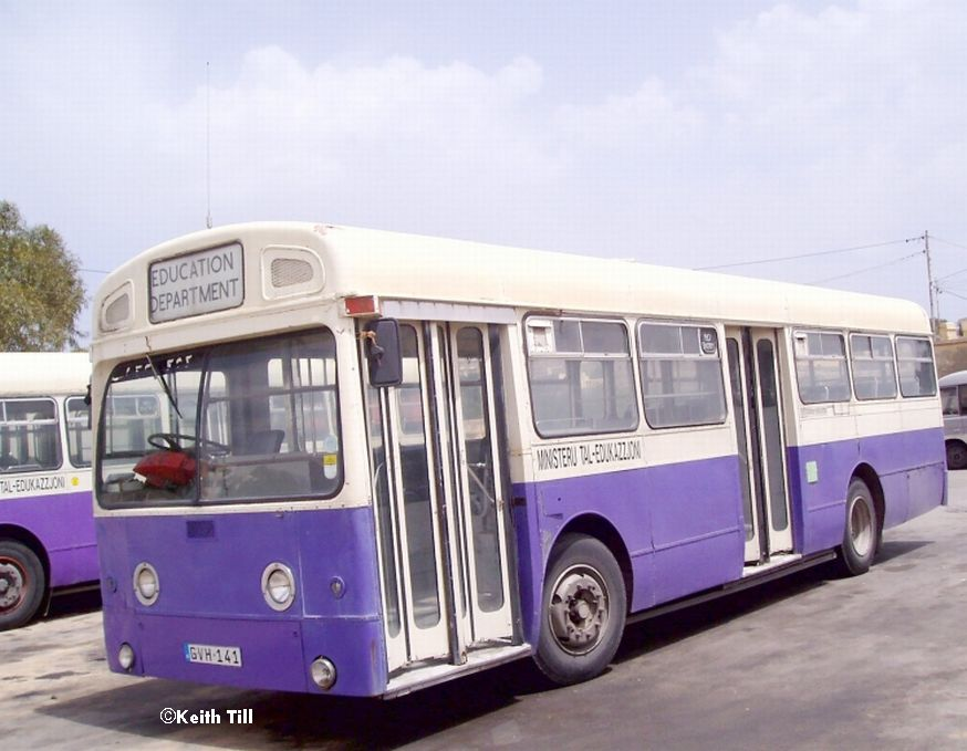 GVH_141_Swift.Park_Royal_Ex_LT_EGN_366J_.jpg