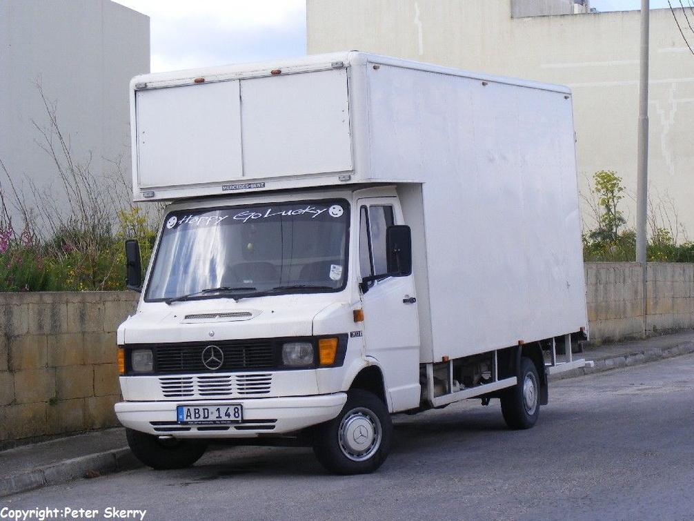 ABD148 1988 Mercedes Benz 307D Box Van | Images of Maltese