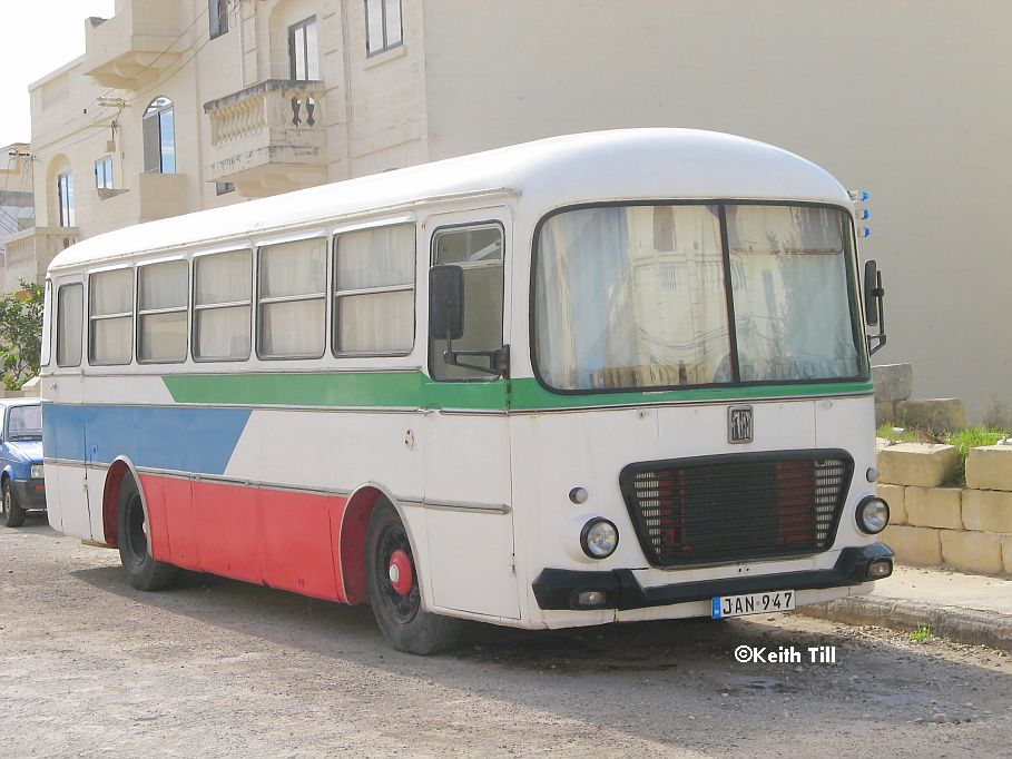 Fiat_Showmans_Bus_JAN_947_a.jpg